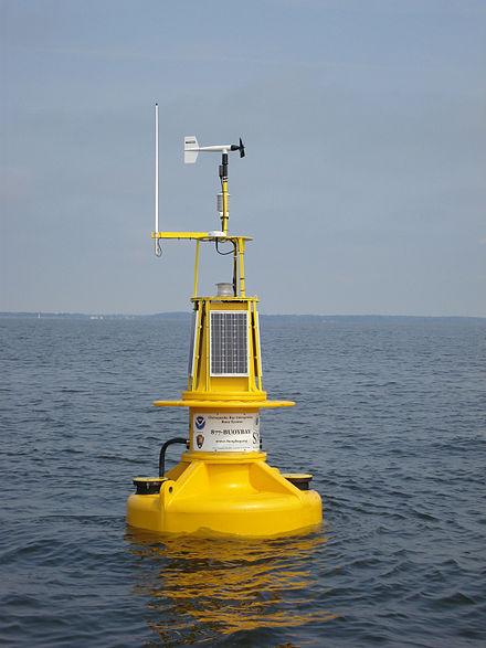 440px-NOAA-smartbuoy2
